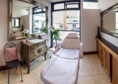 Chez Elaine - Treatment Room